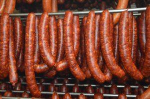 Poľnohospodárske družstvo Bošáca, vlastné bravčové a hovädzie mäso klobasa